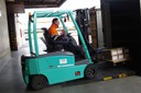 Carretilla elevadora carga camion