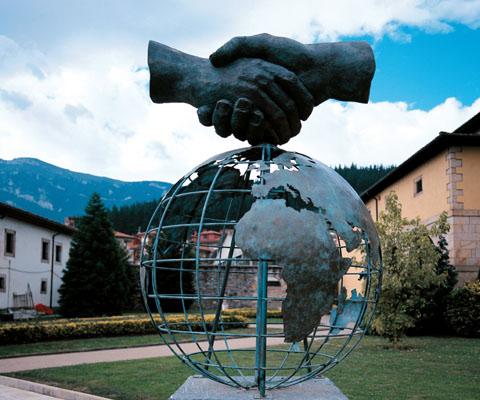 Escultura Grupo Ulma